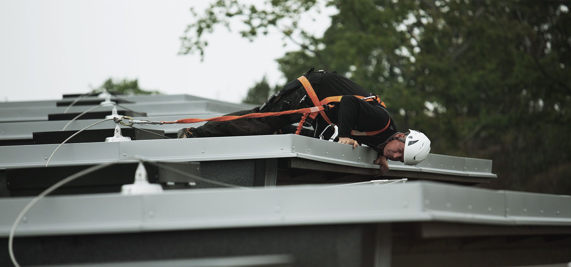 Securope fall arrest on hot deck roof