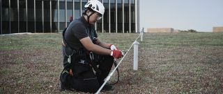 Non penetrating fall arrest systems on green roof